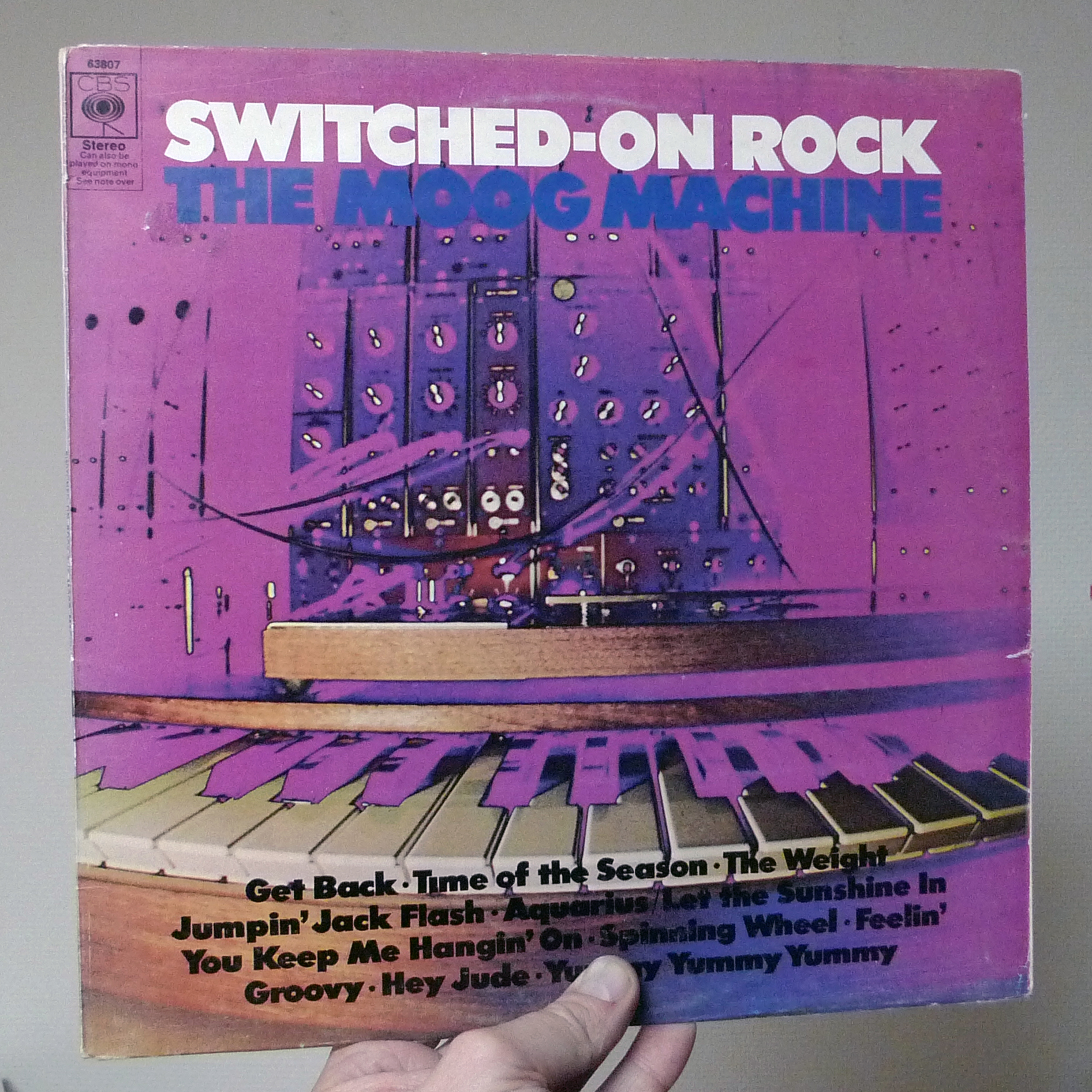 dj50s ep126 sleeve sitched on rock